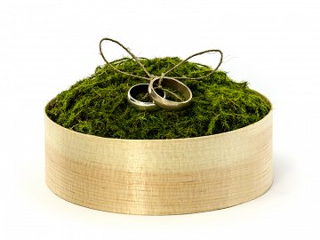 Wooden box for wedding rings with moss, 12cm
